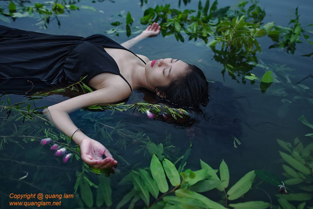 Inlen Fine Art Gallery Photo Print Vietnam Conceptual Portraiture Ophelia